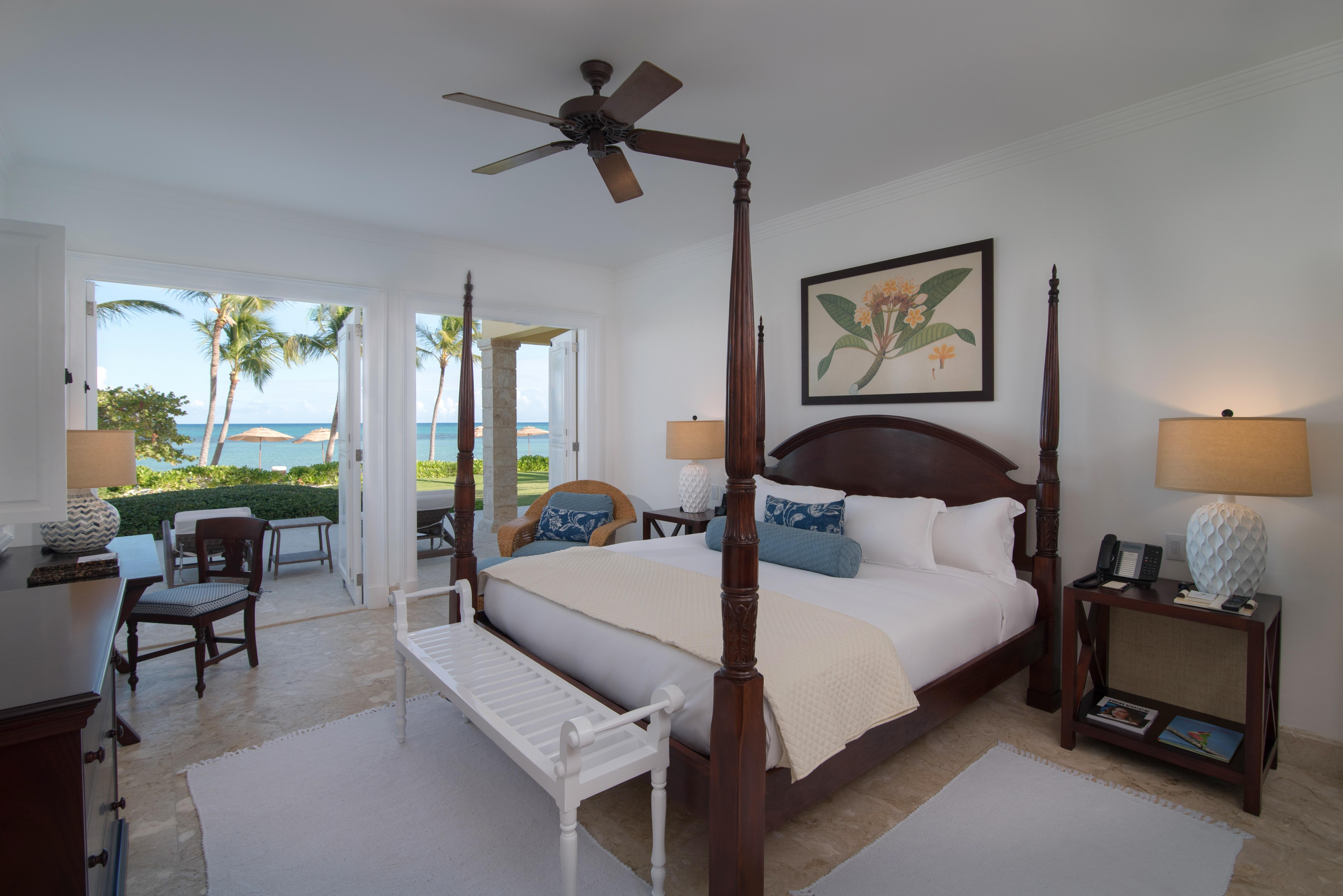 Ocean Front Two Bedroom Suite (Master Room)
